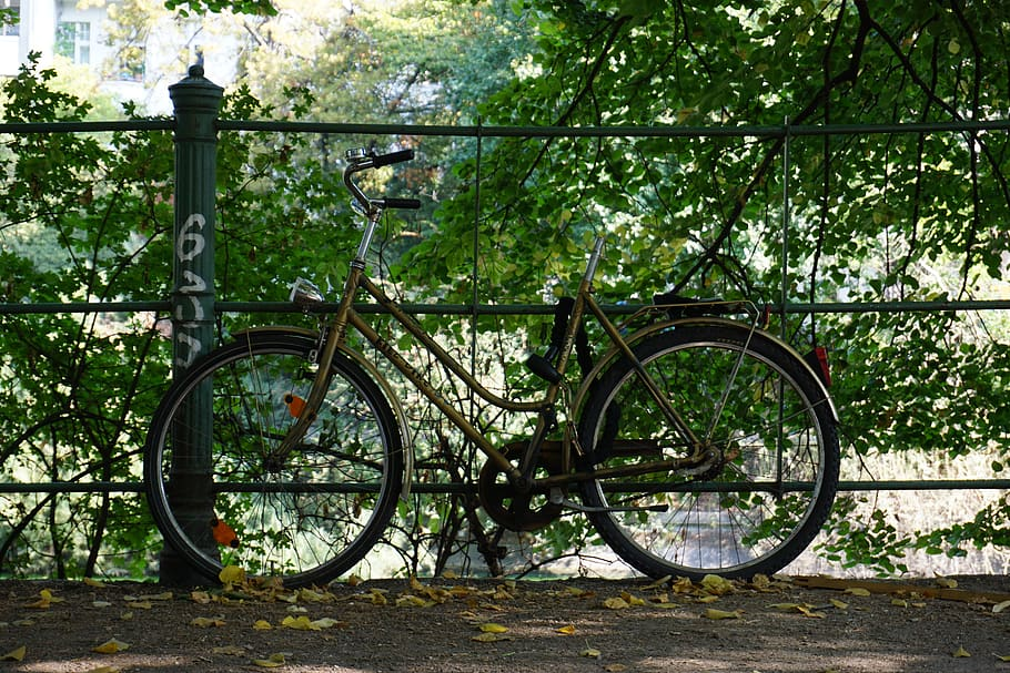 germany-berlin-maybachufer-bike.jpg